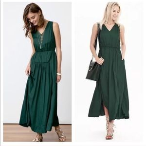 Banana Republic Goddess Maxi V-Neck Dress Green